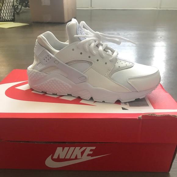 Nike Air Huarache size 7